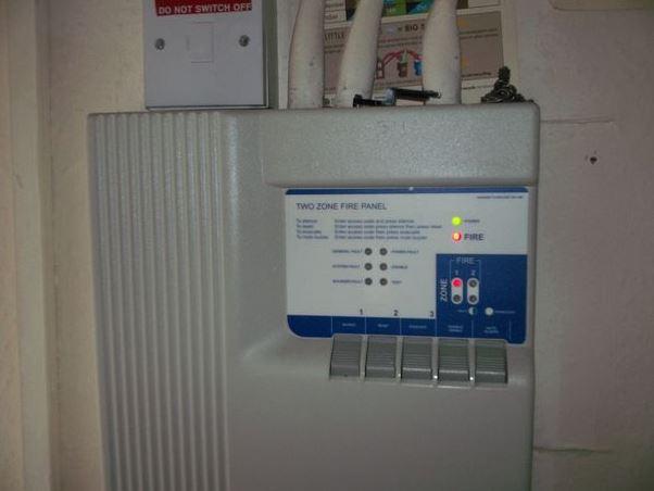 beckhall-properties-fire-alarm-panel-1069e62123ec214b62dce34aa3cb489aa0170b53