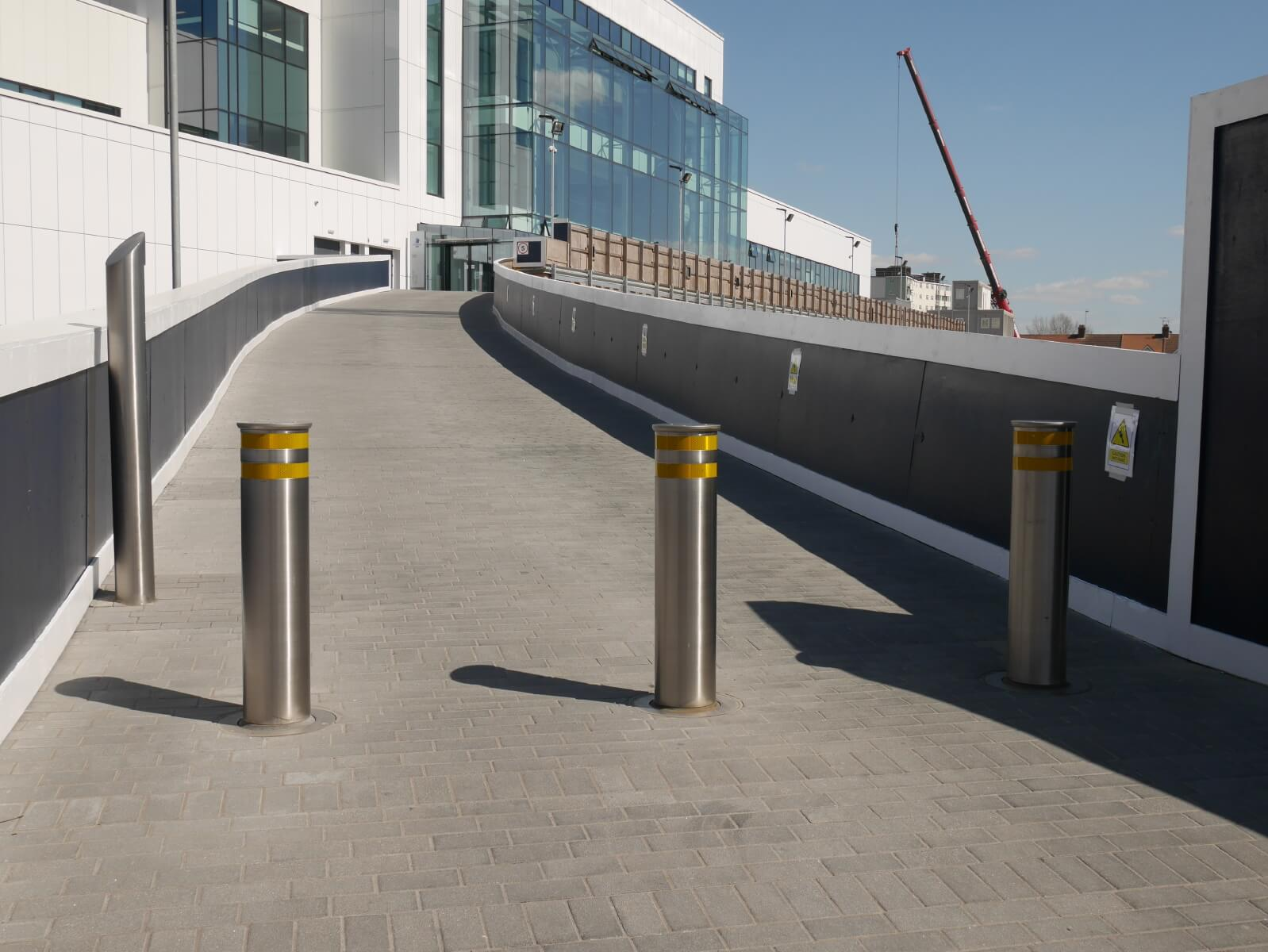 Full Depth Rising Bollard 11840