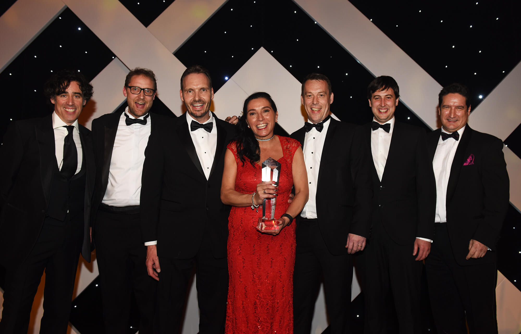 Cova Security Gates receive Gatwick Diamond Business Award for Manufacturing Business of the Year 2017. Pictured (left to right): Stephen Mangan, writer, actor and presenter of the Awards. From Cova Security Gates, Jon Trott, Compliance Manager; Adrian Lewis, Commercial Director; Karen Deacon, Marketing Manager; Paul Mutter, International Account Manager; Kevin Conway, Production Manager. From asb Law LLP, Neil Gardner,