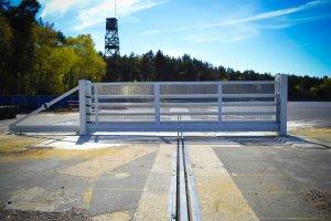 Terra G8 Sliding Cantilevered Gate