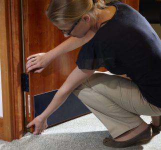 Fire-Door-Inspector-2.-Credit-Lorient-e1506087153304-e4365daf9b0be4d3277d53038c8c19f6d8a2fbce