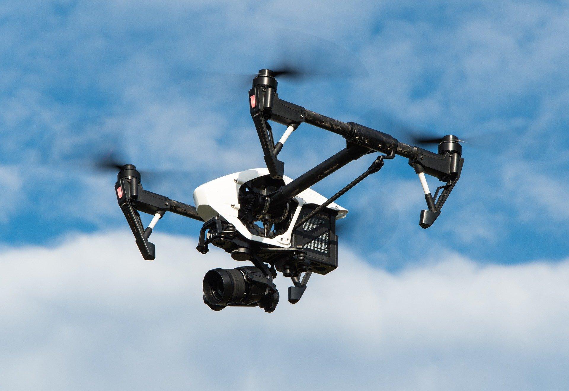 drone-1080844_1920-36500fb99a2de163e51d59bbc789697f2c91e388