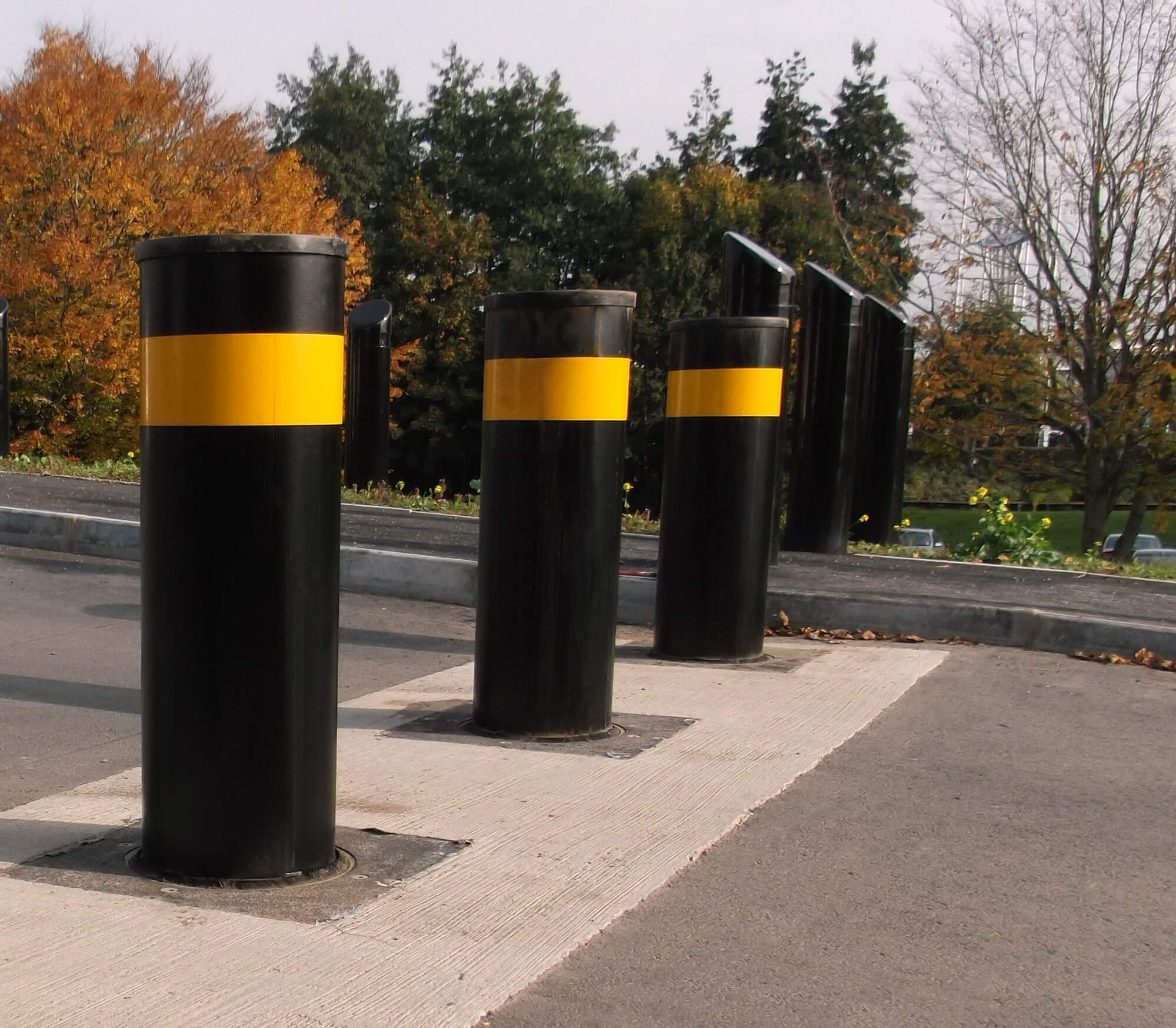 Senator 273 Performa-Cast Polymer PAS 68 Bollard (VED/0024 and VED/0014)