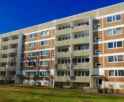 apartment-building-e1528376590227-e16665d76372c52ddc238f7d7c3ea74b45440630