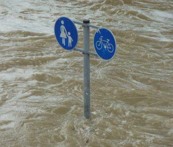 flood-road-sign-e1537442939506-995fb318a25502e6ac9830067da9db795ca77044