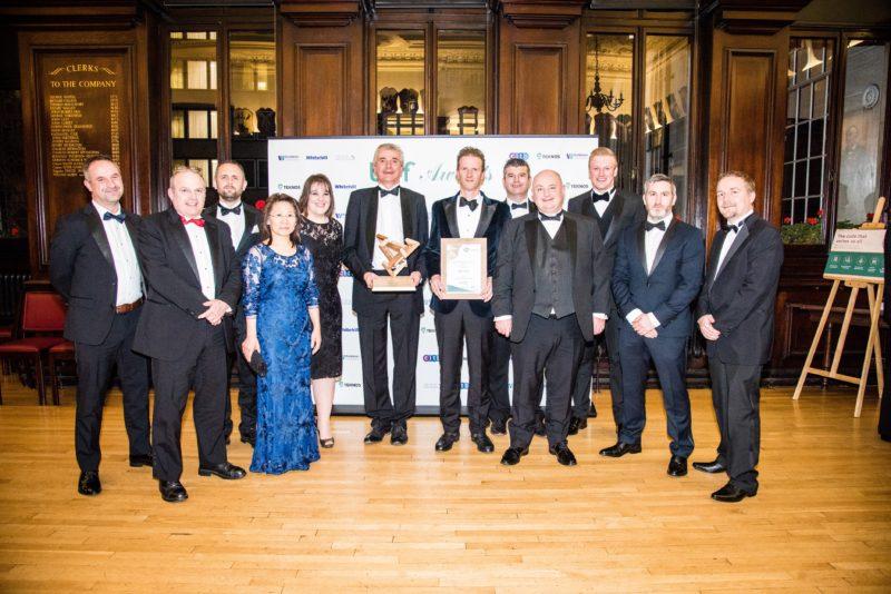Morlands-Andrew-Warren-centre-left-and-team-collect-BWF-Award-e1544026659253-8b0032d77785182d059ce86fc66f4e8b385e8c73